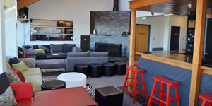 Merrijig accommodation at Mt Buller - lounge and bar